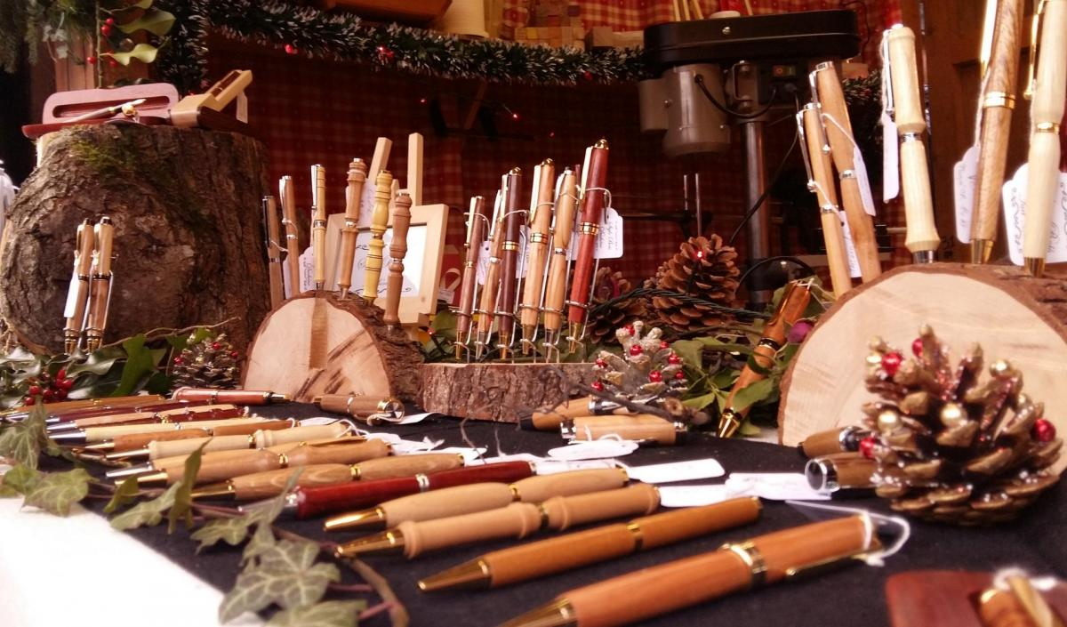 stylo bois  artisanal marché de noël