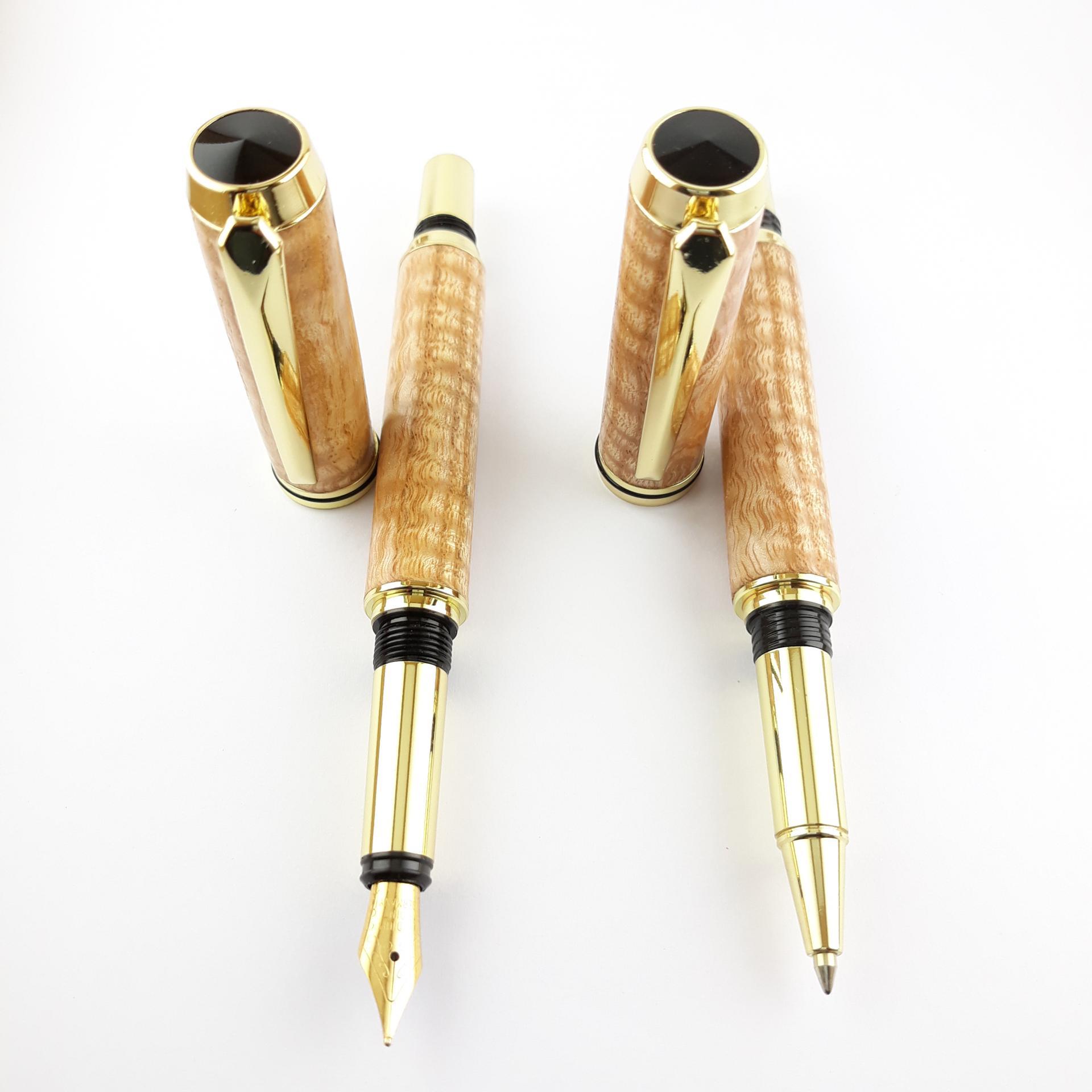 Elegante parrure stylo plume et roller hetre ondule